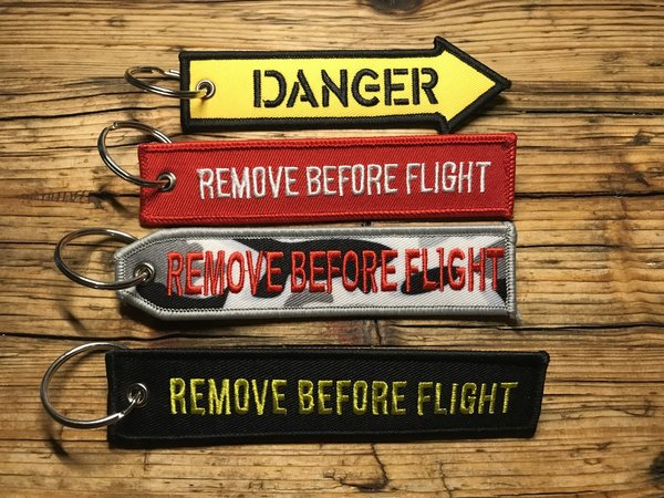 "Schlüsselanhänger - ""Remove Before Flight"" & ""Danger"""